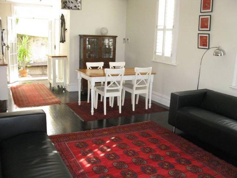 Newtown Cottage 'Jean Eileen', vacation rental in Marrickville