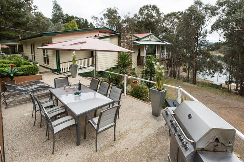 DeVine Getaway - Home Away From Home, holiday rental in Eildon