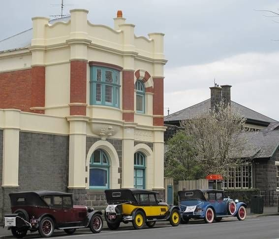 Edwardia Short-stay where you Relax into 1905, holiday rental in Camperdown
