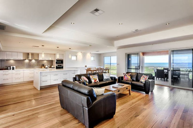 Sanctuary by the Sea - Beachfront Property, holiday rental in Lake Clifton