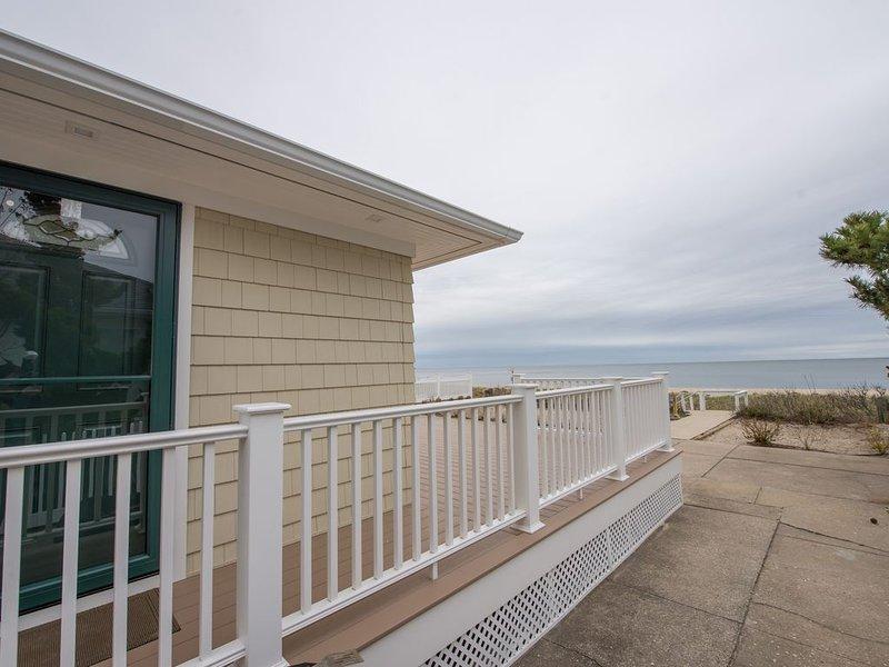 Sand Dollar North Fork Beach House Vineyards, Farm Stands, Kayaks, holiday rental in New Suffolk