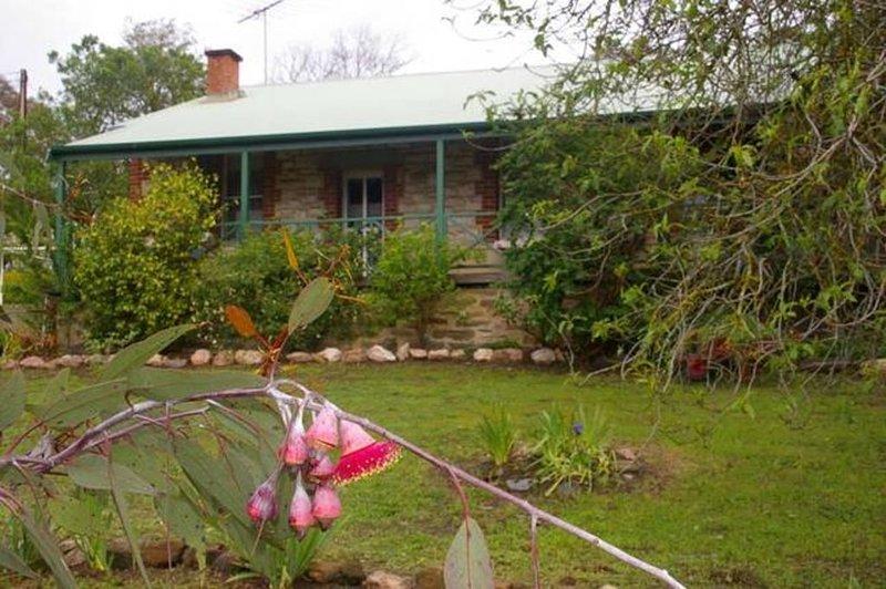 Naimanya Cottage Bed & Breakfast, alquiler de vacaciones en Tungkillo