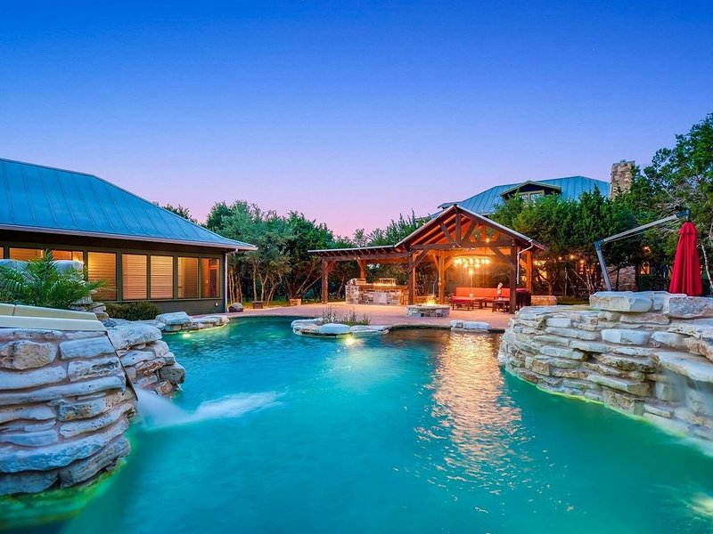 Grit + Grace Ranch - private compound with resort style pool!, holiday rental in Bee Cave