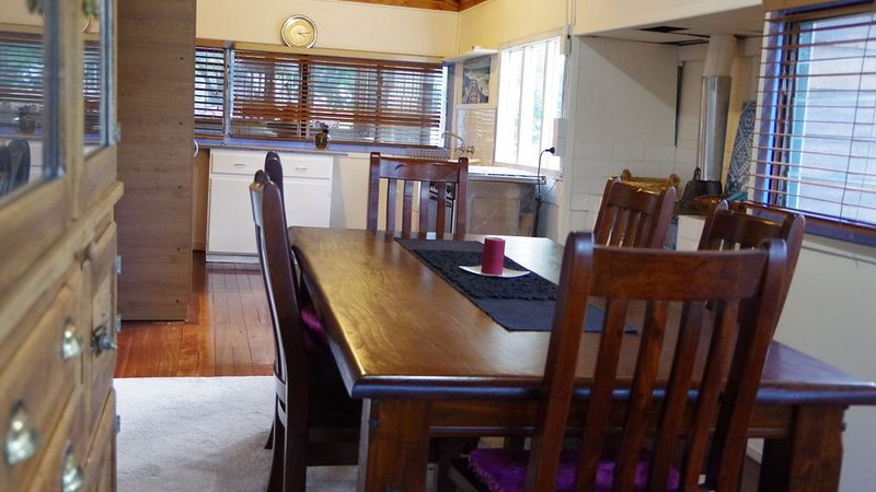 Rustic Cottage - peaceful retreat, holiday rental in Lake Clifton