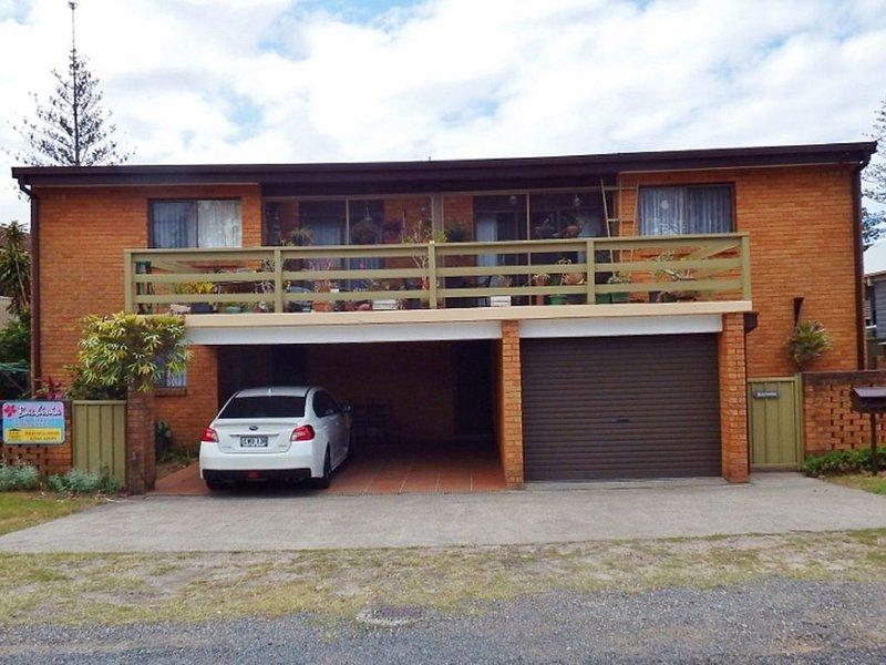 Bauhinia Unit 1 - South West Rocks, holiday rental in South West Rocks