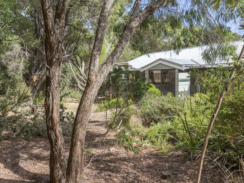 Eagle Bay Gecko Beach House, holiday rental in Cape Naturaliste
