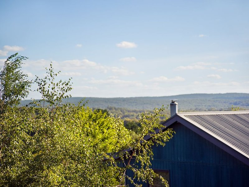 Eastern View Studio - Cosy & Comfortable Villa for two, holiday rental in Trentham