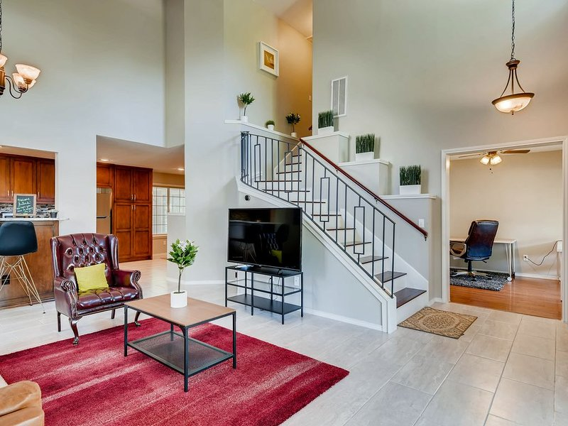 Large and Inviting 4 Bedroom Home in Southeast Austin, holiday rental in Cedar Creek