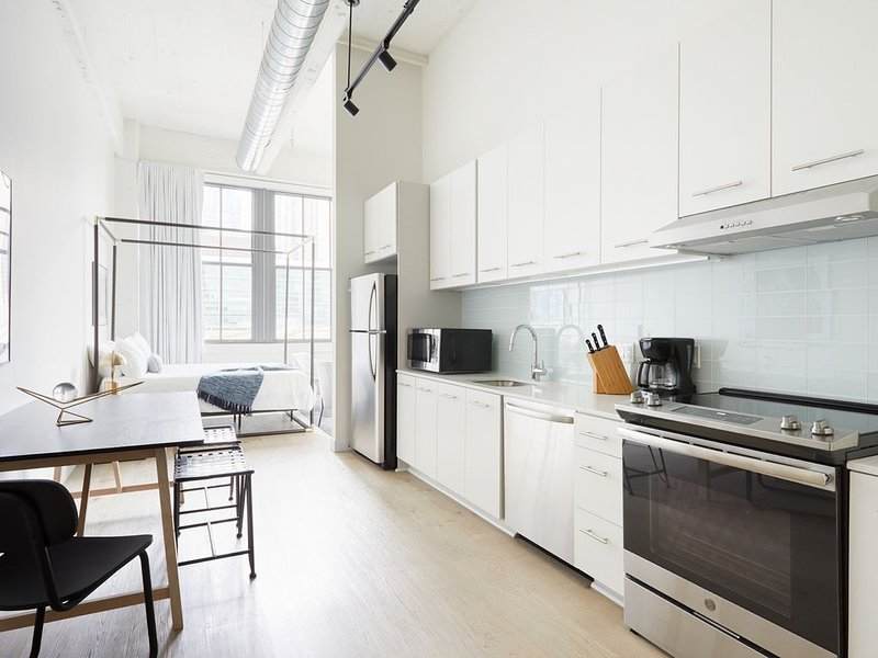 Sonder | Sixteen Hundred | Bright Studio, holiday rental in Philadelphia
