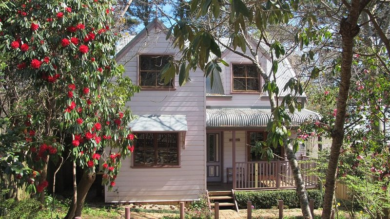 Matildas of Leura charming self-contained cottage, holiday rental in Leura