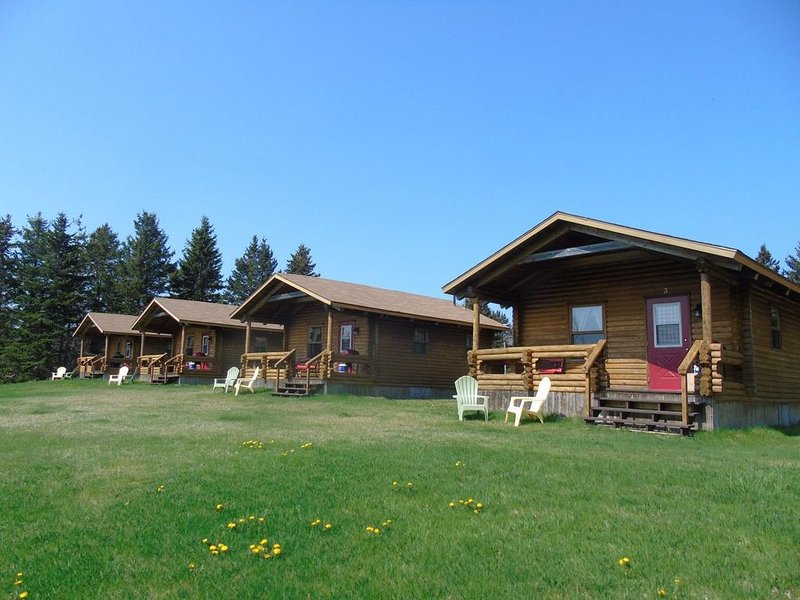 Cajun Cedar Log Cottages 1 Bdrm - Cape Breton Unit 6, vakantiewoning in Grand Etang