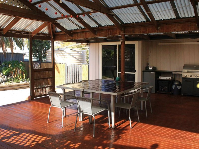 Spacious and modern 3 bedroom family holiday house, holiday rental in Streaky Bay