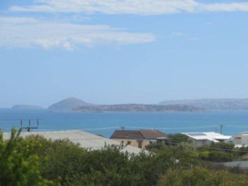 Nights in Robandsco - beach, views, serenity!, alquiler de vacaciones en Port Elliot