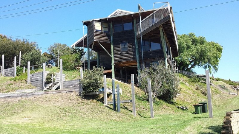 The Pole House Queenscliff, holiday rental in Indented Head
