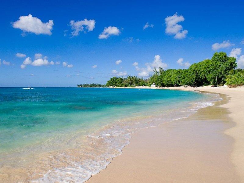 Brand New 3 Bedroom Villa Located on Gibbs Beach in Barbados - Shoestring Villa – semesterbostad i Gibbes