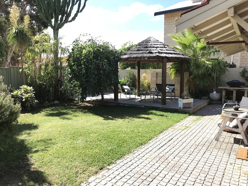 Tropical Oasis close to River and Fremantle, vacation rental in Melville