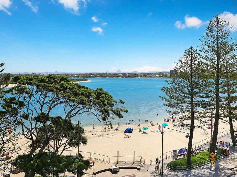 Lowanna Unit 14, 24 Bulcock Beach Esplanade, Bulcock Beach, vacation rental in Kings Beach