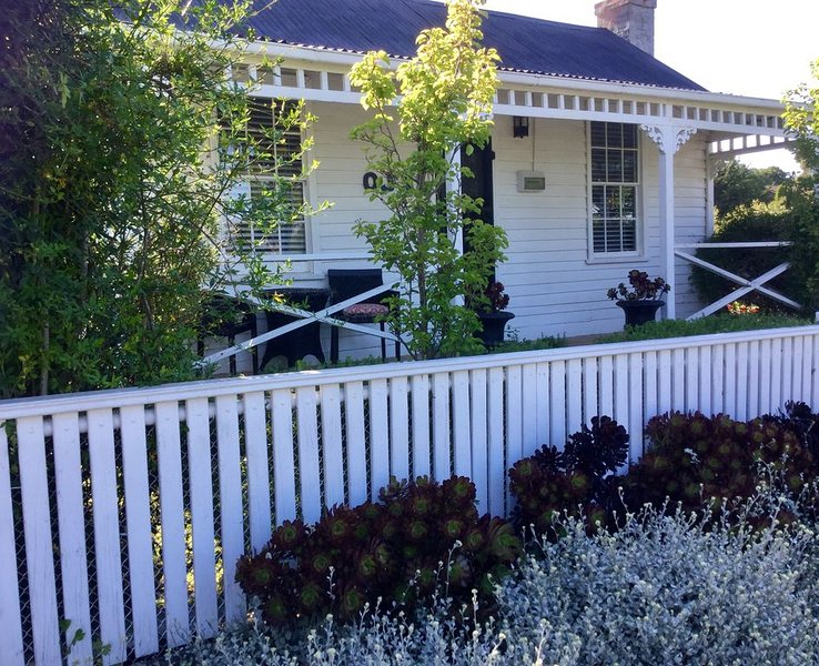 OJ's - French inspired luxury, vacation rental in Daylesford
