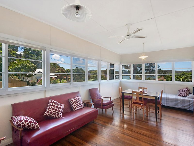 Turn back the clock at Wagstaffe - Pets welcome, vacation rental in Ettalong Beach