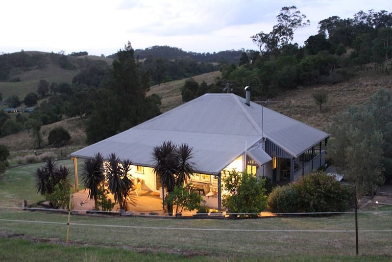 Dairy Farm Cottage.., holiday rental in Mount View
