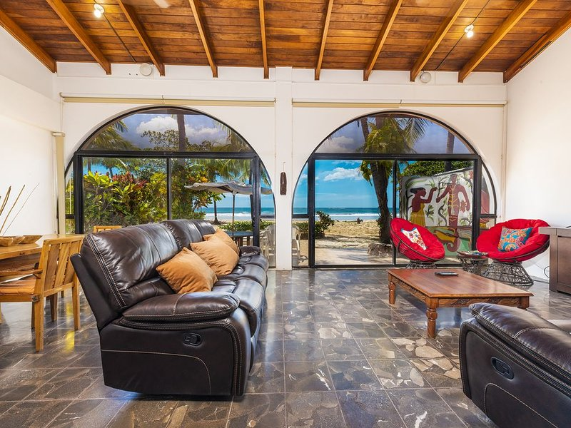 Villa Siempre BEACH HOUSE, Beach out your back door!, holiday rental in Playa Grande
