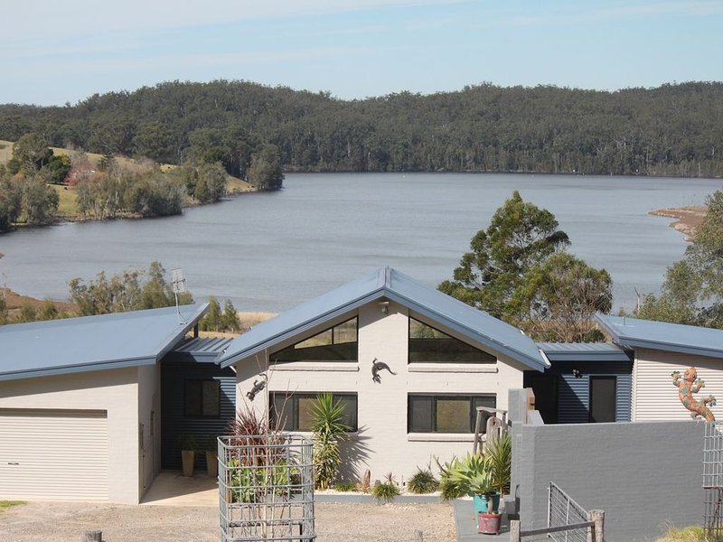 Di's Hill - your tranquil stay away., holiday rental in Shoalhaven