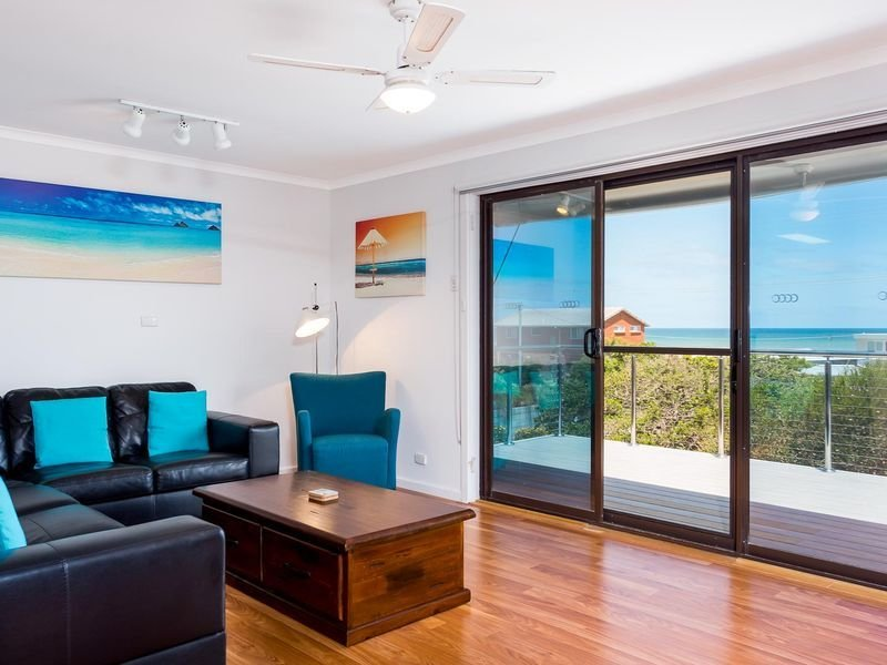 154 Newell Avenue, an easy short walk to the beautiful Surfers Parade beach., holiday rental in Middleton