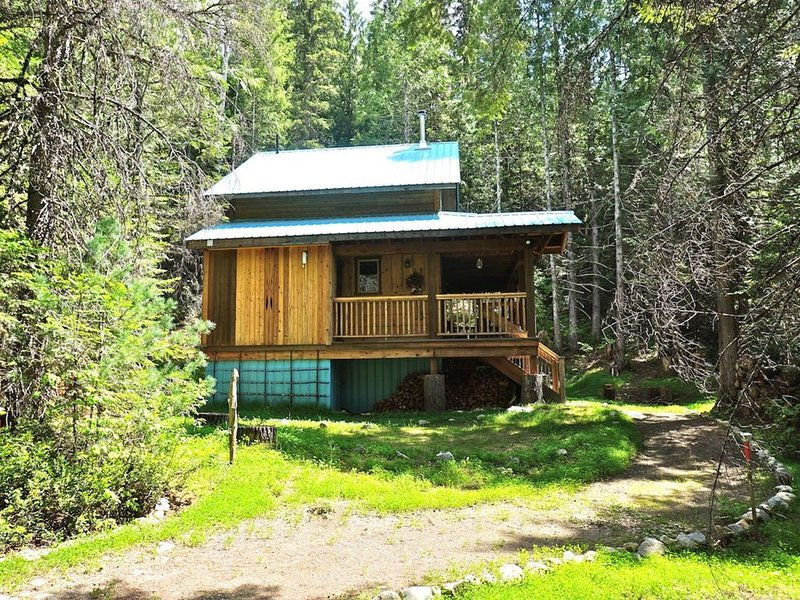 Boutique Mountain Lodge - 4 Luxury Cabins, 20 km South of Nelson - Heritage Cabi, holiday rental in Nelson