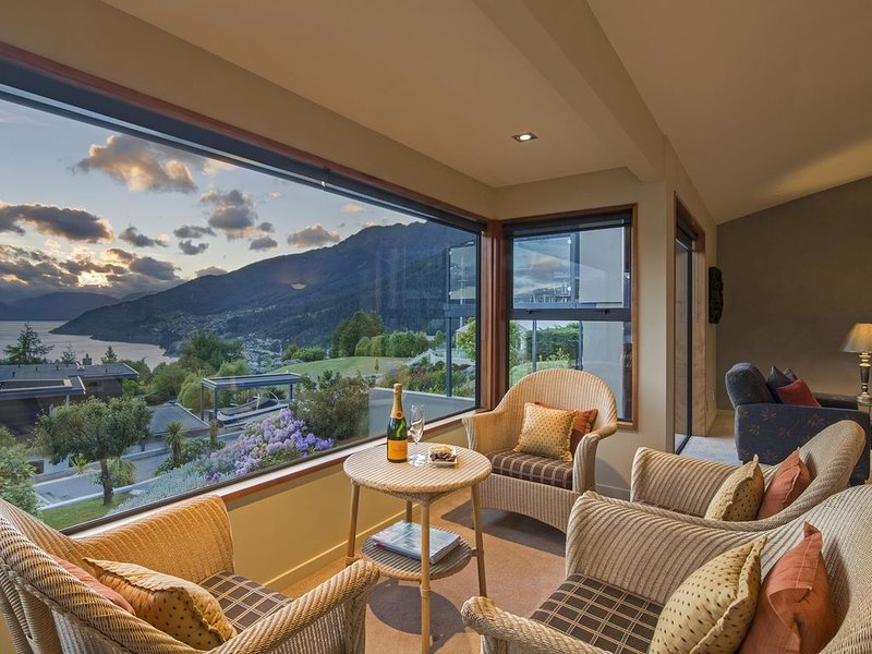 Views, comfort, location., holiday rental in Queenstown