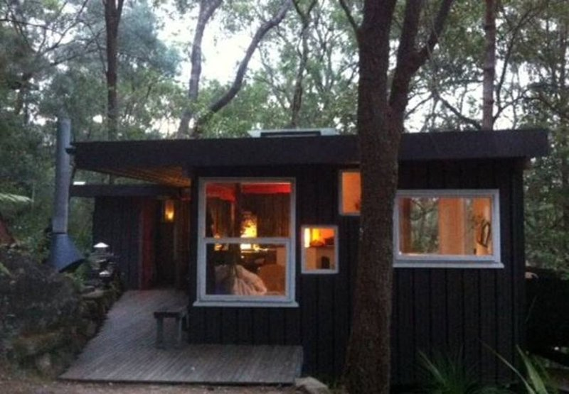 A RIVER SHACK . Luxury Glamping . ARRIVE BY BOAT . Just For Two . OUTDOOR FIRE, holiday rental in Lower Portland