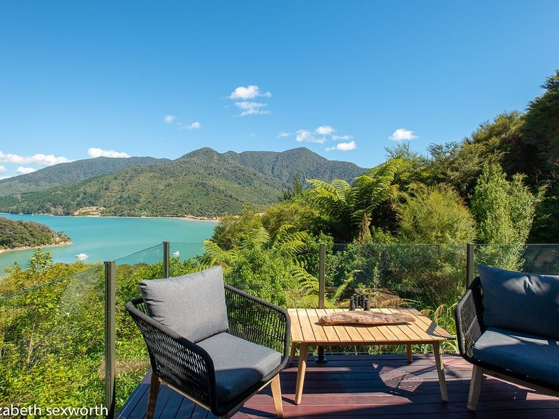 St. Omer's Hideout: Love At First Sight Above the Kenepuru Sound, vacation rental in Picton
