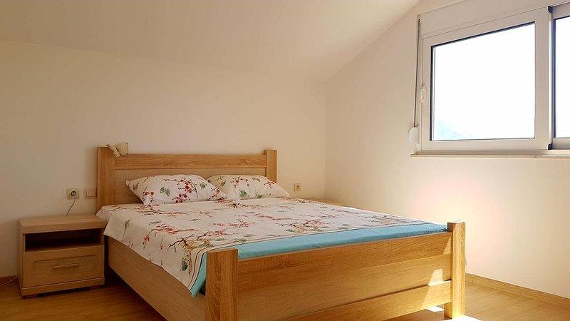 One-bedroom Apartment In Boka Bay || Sea & Mountain View II Free Parking, location de vacances à Baosici
