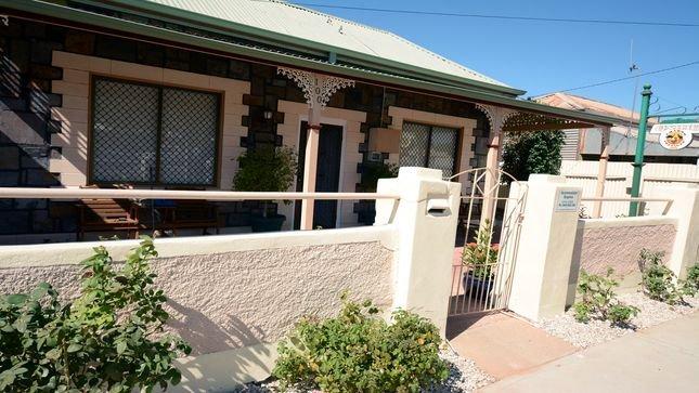 Emaroo Oxide Cottage, alquiler vacacional en Broken Hill