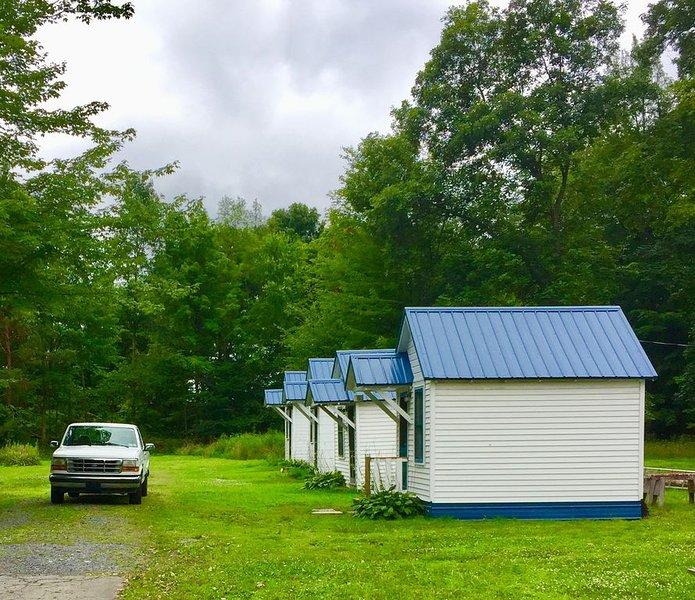 Quaint Cabin #6 - Pymatuning Lake, holiday rental in Clarks Mills