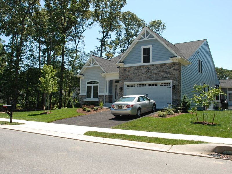 New 5BR Home (Grand Slam House II), close to beach and biking trail, location de vacances à Rehoboth Beach