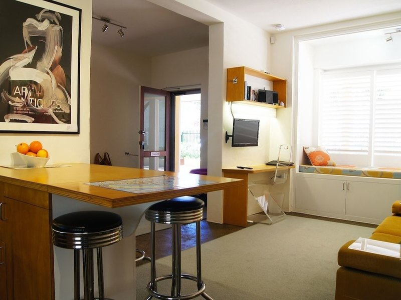 Cosy Central Apartment Fremantle CBD, holiday rental in East Fremantle