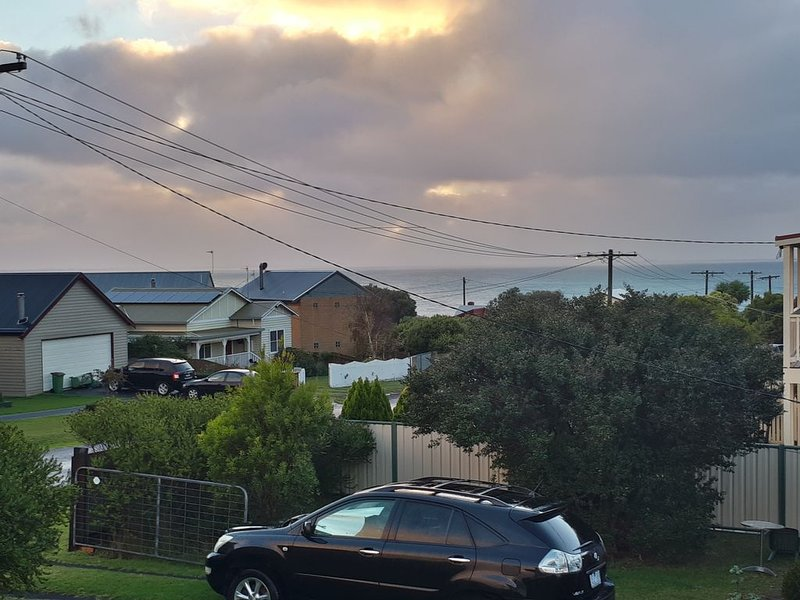 pelican view - see the sea in our peaceful family/pet-friendly elevated home, alquiler vacacional en Cape Bridgewater