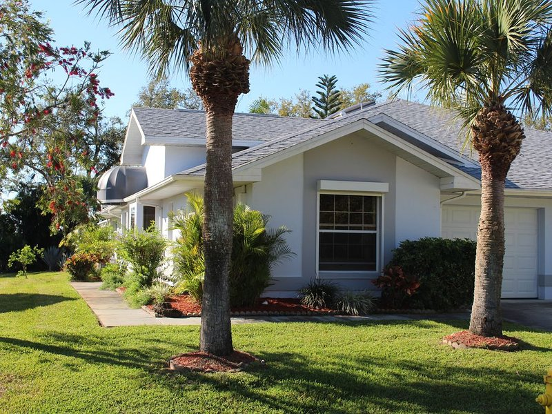 SOUTH FLORIDA A PERFECT LOCATION AT THE GOLF COURT, vacation rental in Lehigh