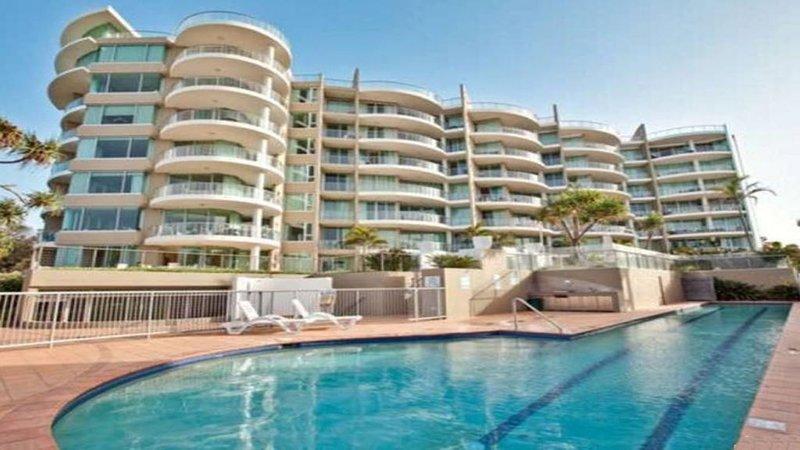 Palm Springs 603 - Great Ocean views, holiday rental in Tallebudgera