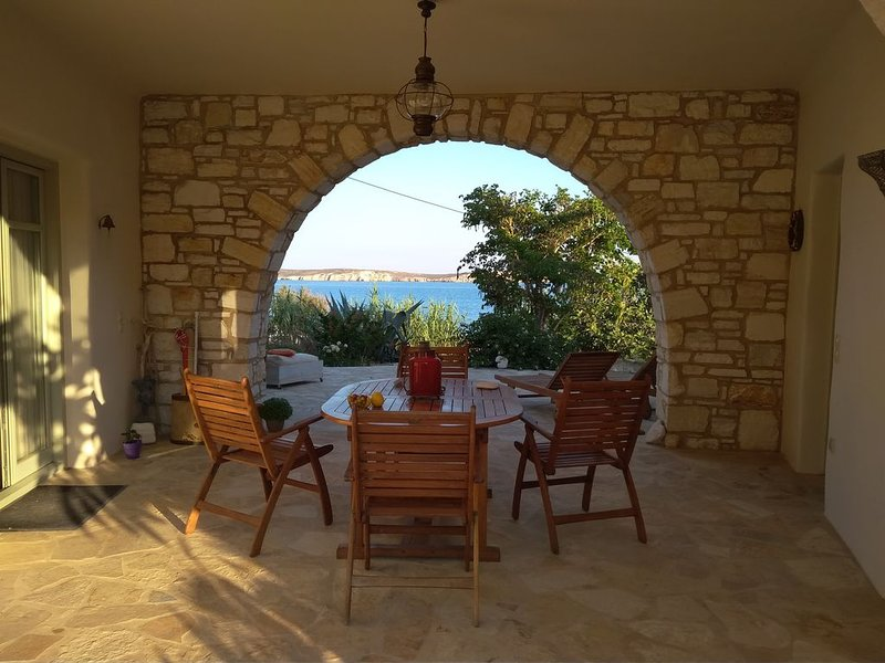 You have the sense of belonging.Enjoy a fully equipped relaxing house by the sea, vacation rental in Nea Chryssi Akti
