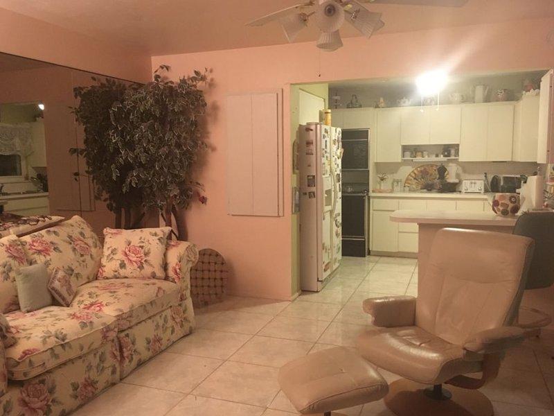 Home w/Pool & Sarasota Bay Sunset, holiday rental in Tallevast