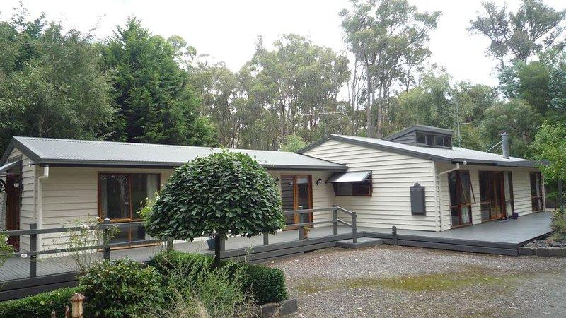Duck Tree Lodge - a beautiful bush lodging, location de vacances à Woodend