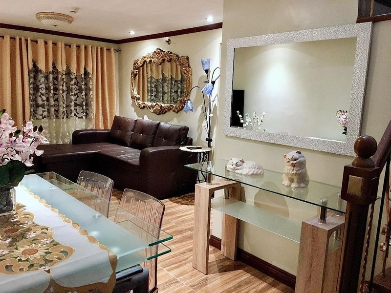 Affordable 2 BR 2 BA W/ Netfix, Cable & Amazon Prime Video, holiday rental in San Juan
