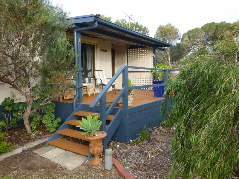 THISLDOO HOLIDAY HOUSE CLAYTON BAY, holiday rental in Strathalbyn