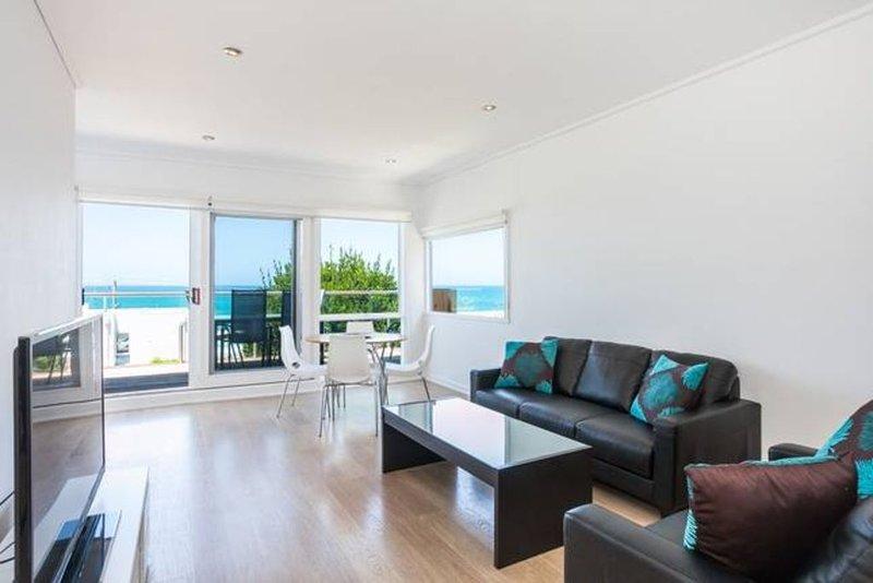 LORNE BEACH ACCOM - Apt 2, holiday rental in Lorne