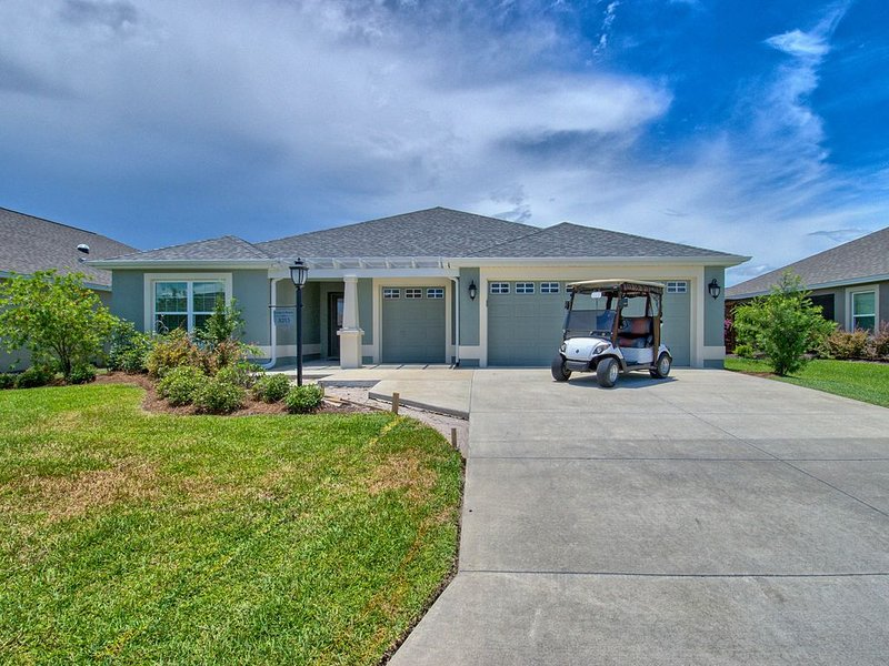 GOLF CART WALK TO POOL BEAUTIFUL HOME IN FENNEY, Ferienwohnung in Coleman
