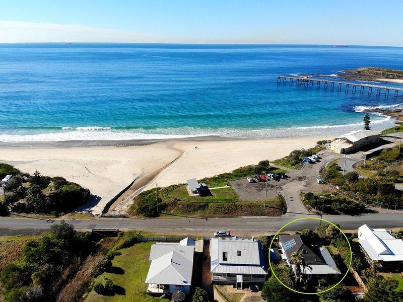 Torodes - heritage beachhouse with ocean views, alquiler de vacaciones en Lake Macquarie
