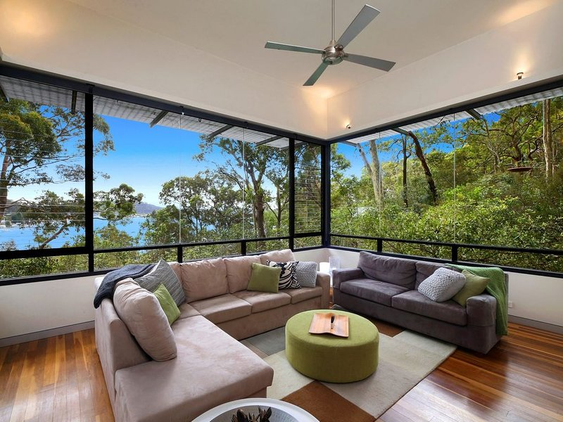 Designer Holiday - Linen Included & Pets are Welcome, vacation rental in Ettalong Beach