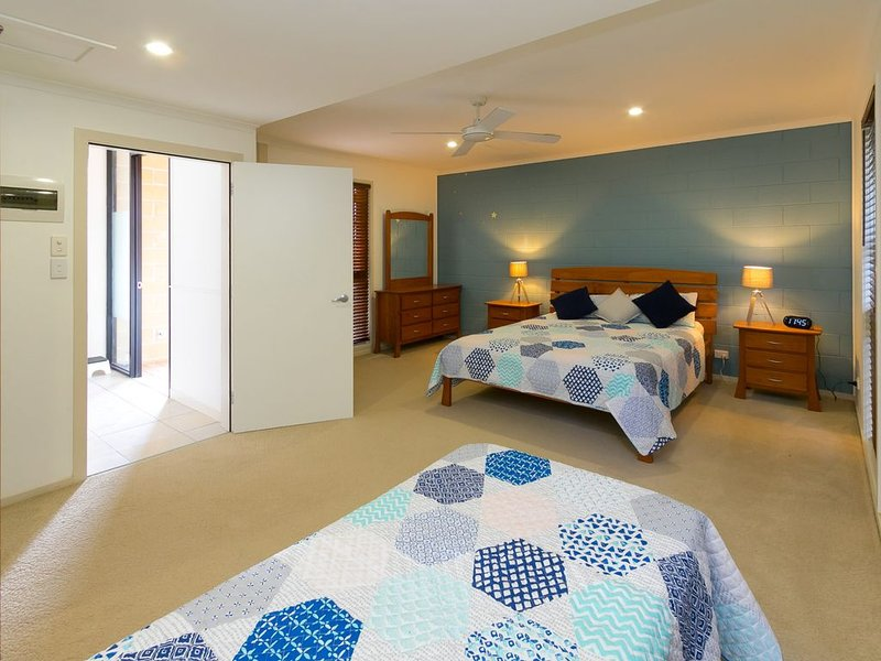Blue Water Retreat  - Downstairs, aluguéis de temporada em Torquay