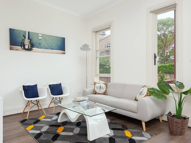STUNNING SYDNEY HOME 11, vacation rental in Milsons Point